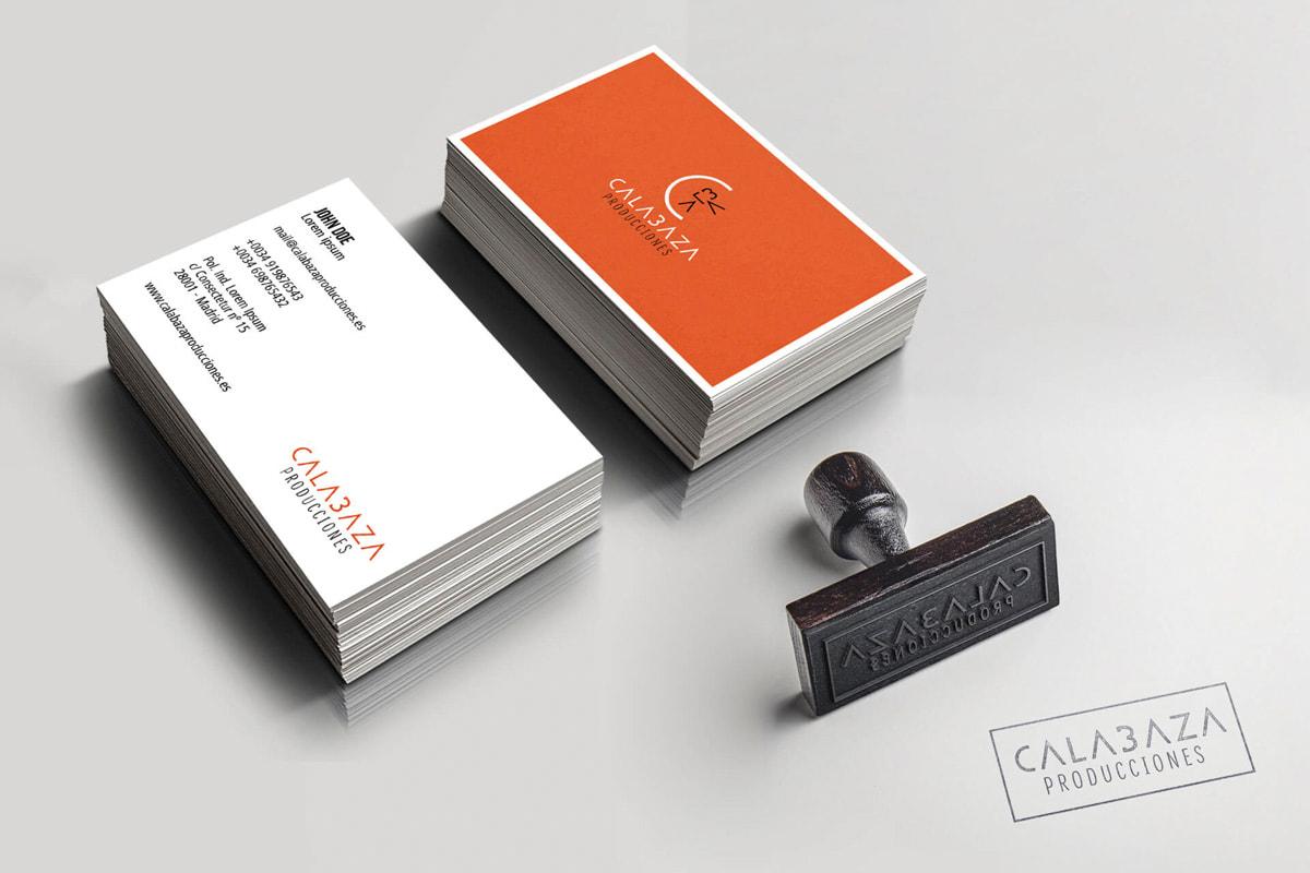 Diseño de tarjetas de visita originales para Calabaza Producciones