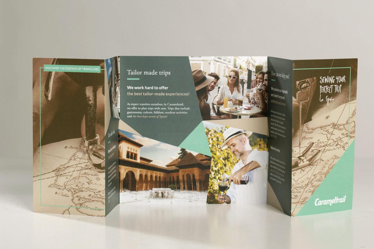 Diseño de folletos publicitarios para la Agencia de viajes Carameltrail